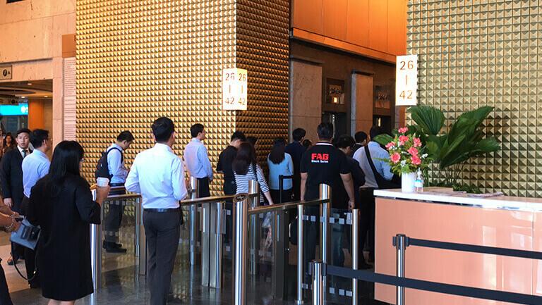 アソーク オフィス エクスチェンジタワー オフィススペース入口のセキュリティーゲート