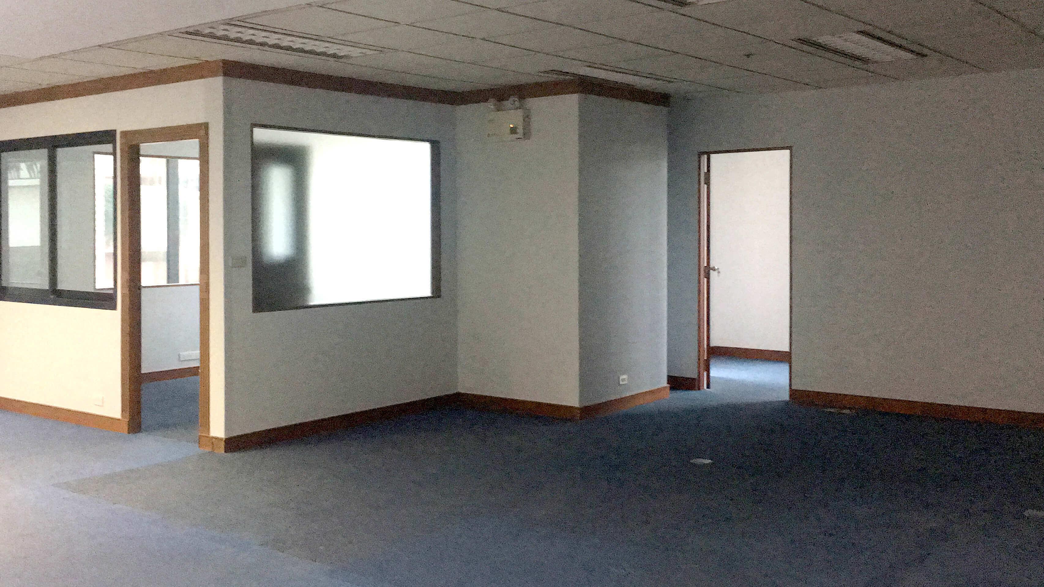 オフィス内総施工済みの様子