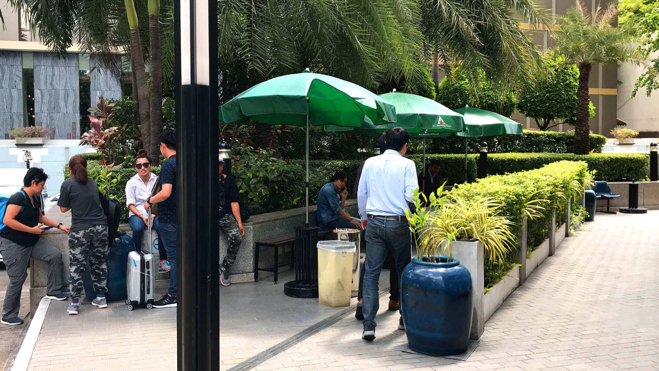 プルンチットオフィス物件M Thai Tower 喫煙所の様子