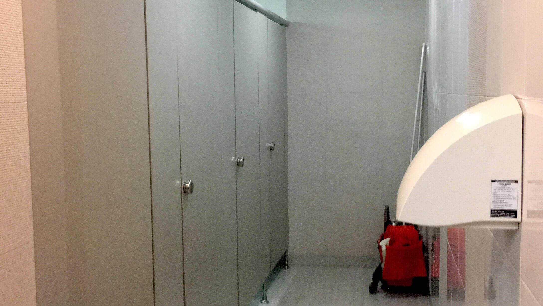 サラデーン オフィス 「Silom Complex」 女性トイレの様子