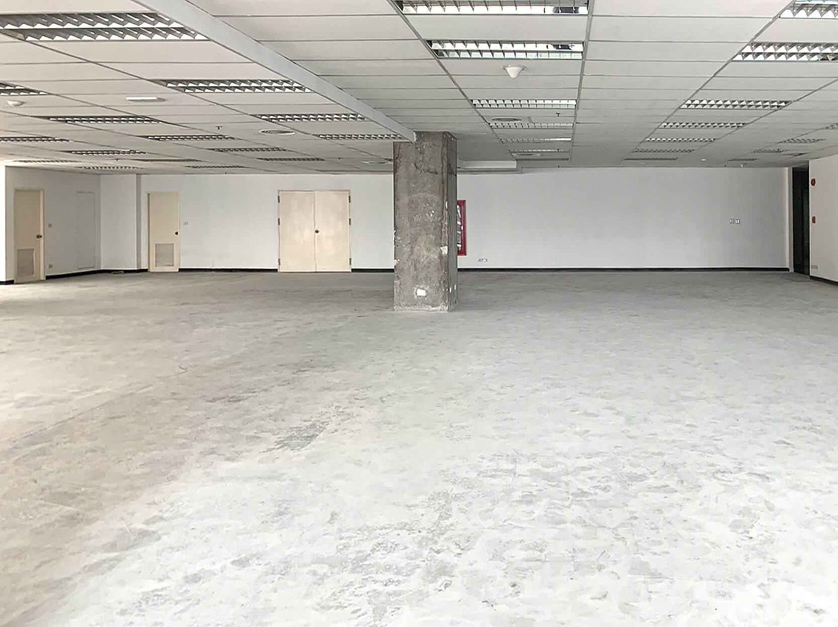 バンコク オフィス ジャスミンシティー オフィスの様子